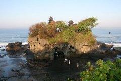Der Tana Lot Tempel an der Süd-Westküste Balis