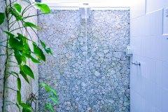 Das Bad im Superior Zimmer 1 der Ayurveda Shunyata Villa ~ Sri Lanka
