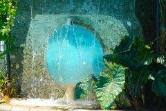 Der Wasserfall am Pool der Ayurveda Shunyata Villa