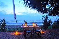Ayurveda Dinner am Strand der Ayurveda Shunyata Villa ~ Sri Lanka