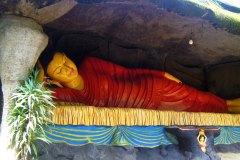 Schlafender Buddha in Sri Lanka