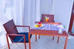 Die Terasse im Superior Zimmer 2 der Ayurveda Shunyata Villa ~ Sri Lanka